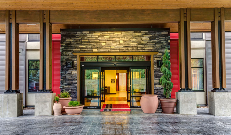 hampton inn chilliwack, bc architectural design