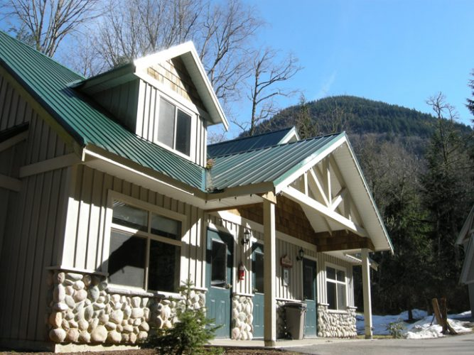 architecture for the stillwood camp lodges in lindell beach, bc
